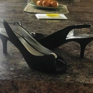 Black dress shoes (1 inch heel)